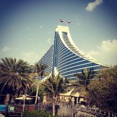 Photo taken at Jumeirah Beach Hotel فندق جميرا بيتش by Kostik on 3/11/2013