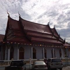 Photo taken at วัดไทร (สุราษฎร์ธานี) by Akaradej P. on 12/21/2012