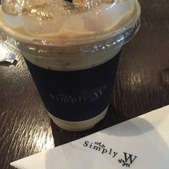 Photo taken at Simply W by Amily M. on 11/29/2015