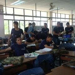 Photo taken at โรงเรียนช่างฝีมือทหาร by Panithan on 2/26/2013