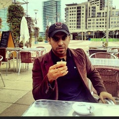 Photo taken at Kenyan Classic Coffee by Meshal A. on 11/13/2012