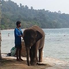 Photo taken at Kai Bae Hut Resort by Cap K. on 3/11/2013