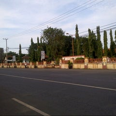Photo taken at Terminal Bayuangga Probolinggo by Indra B. on 4/23/2013