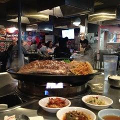 Photo taken at Honey Pig Gooldaegee Korean Grill by Ritz on 3/20/2013