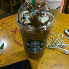 Photo taken at Starbucks by Soo J. on 8/25/2013