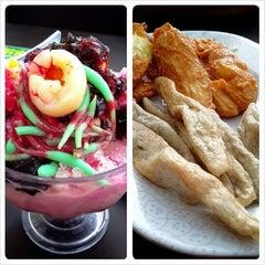 Photo taken at Restoran Siti Corner by Ashley A. on 11/18/2013
