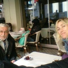 Photo taken at Berivan Et ve Kokoreç Lokantası by Perihan on 4/23/2015