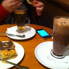 Photo taken at Costa Coffee by Kenny on 12/17/2012