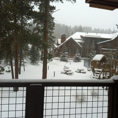 Photo taken at Mountain Thunder Lodge by Kevin on 12/19/2012