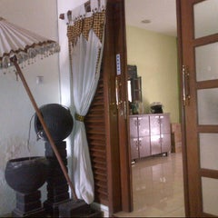 Photo taken at Aluna Home Spa (ex. Bala Bale Spa) by Erley A. on 7/30/2014