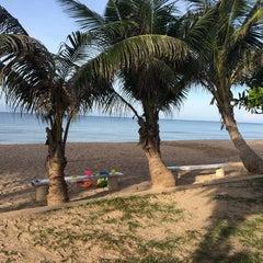 Photo taken at Rattanapura Beach Resort (รัตนปุระ บีช รีสอร์ท) by faiink on 10/21/2014