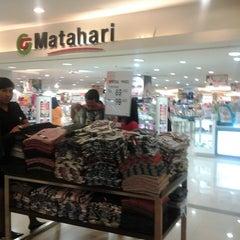 Photo taken at Matahari Department Store by Fitriani N. Fajrin on 3/23/2013
