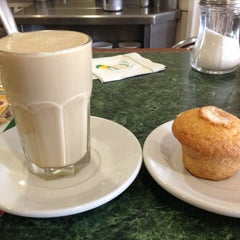 Photo taken at Los Bisquets Bisquets Obregón by Fabian on 12/6/2012