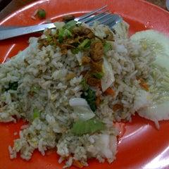 Photo taken at Allongs Restaurant by Izham G. on 12/13/2012