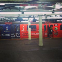 Photo taken at MTA Subway - 42nd Street Shuttle (S) by Wiafe M. on 8/31/2013