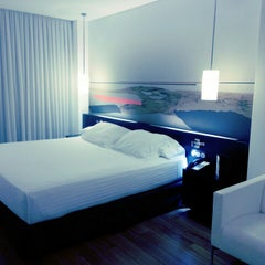 Photo taken at Hotel AXOR Barajas****plus by Meow K. on 9/15/2012