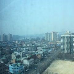 Photo taken at 이마트 본사 (emart HQ) by Gyeonghwan M. on 2/23/2014