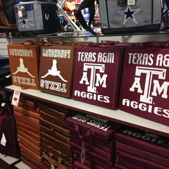 Photo taken at Sports Authority by Melissa M. on 1/27/2013