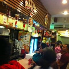 Photo taken at Mei Li Wah by Joel A. on 10/18/2012