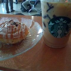 Photo taken at Starbucks by Ritha M. on 2/6/2013