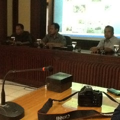 Photo taken at Redaksi Pikiran Rakyat by Fina M. on 12/5/2012