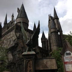 Photo taken at Harry Potter and the Forbidden Journey / Hogwarts Castle by Diana R. on 7/18/2013