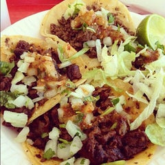 Photo taken at Tacos El Gavilan by Tacos on 10/29/2012
