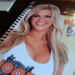 Photo taken at Hooters by Gerardo L. on 1/17/2013