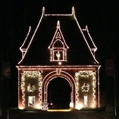 Photo taken at Biltmore Estate Main Gate by Brittani M. on 11/11/2012