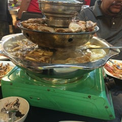 Photo taken at Flaming Steamboat by farizul H. on 12/26/2015