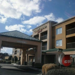 Photo taken at Courtyard by Marriott Richmond Airport by Go Girl Taxicab on 2/27/2013