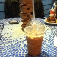 Photo taken at Coffee Waves by Vincent E. on 1/5/2013