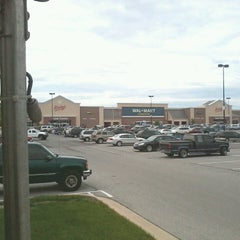 Photo taken at Walmart Supercenter by OJTTrucker T. on 5/25/2013