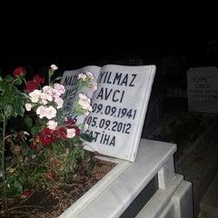 Photo taken at Soğukkuyu Mezarlığı by Raye A. on 6/15/2014