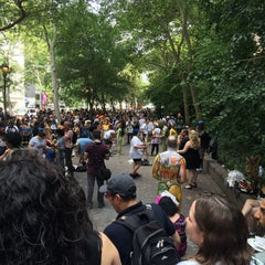Photo taken at Dag Hammarskjöld Plaza by Kevin R. on 7/18/2015