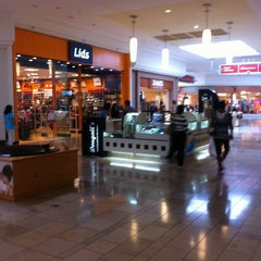 Photo taken at Westfield Broward Mall by Ravil T. on 1/24/2013