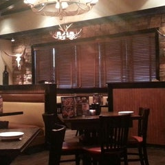 Photo taken at LongHorn Steakhouse by Seth N. on 6/25/2014