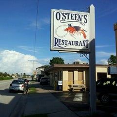 Photo taken at O'Steen's Seafood Restaurant by Travis P. on 9/14/2012