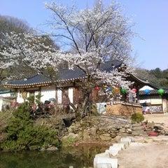 Photo taken at 묘적사 (妙寂寺) by Hyewon on 4/27/2013