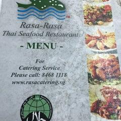 Photo taken at Rasa Rasa Muslim Thai Seafood Restaurant by Ridz u. on 2/20/2015
