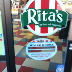 Photo taken at Rita's Ice Custard Happiness by Otis on 11/10/2012