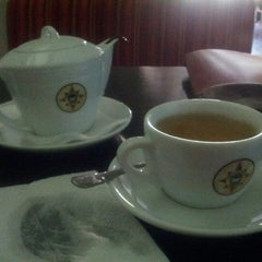 Photo taken at Traveler's Coffee by Aygul A. on 11/28/2012
