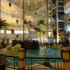 Photo taken at Al-Rashid Mega Mall | الراشد ميجا مول by Shadi B. on 2/21/2013
