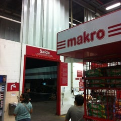 Photo taken at Makro by Fabricio on 1/11/2013