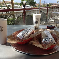 Photo taken at Chipotle Mexican Grill by Ömer Ç. on 5/7/2013