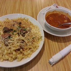 Photo taken at Noodles & Company by Lyanis on 5/30/2013