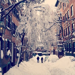 Photo taken at Beacon Hill by brianne d. on 2/9/2013