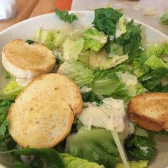 Photo taken at Z Pizza Kailua by Cyn on 2/22/2015