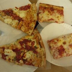 Photo taken at Marinara Pizzeria & Restaurant by Joshua L. on 2/8/2015