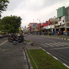 Photo taken at Malioboro Jogja by Rudd_de on 10/21/2012